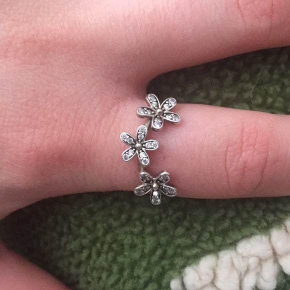 c6bc36991 037c3 4ffd2; spain pandora ring triple dazzling daisys size 54 38e56 044e9